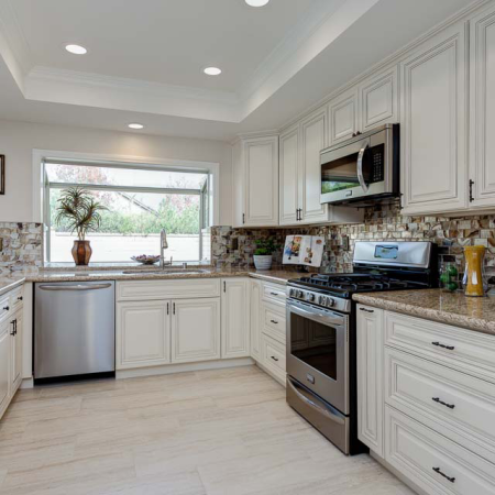 Antique white kitchen cabinet kitchen cabinets south el for Cheap kitchen cabinets san diego