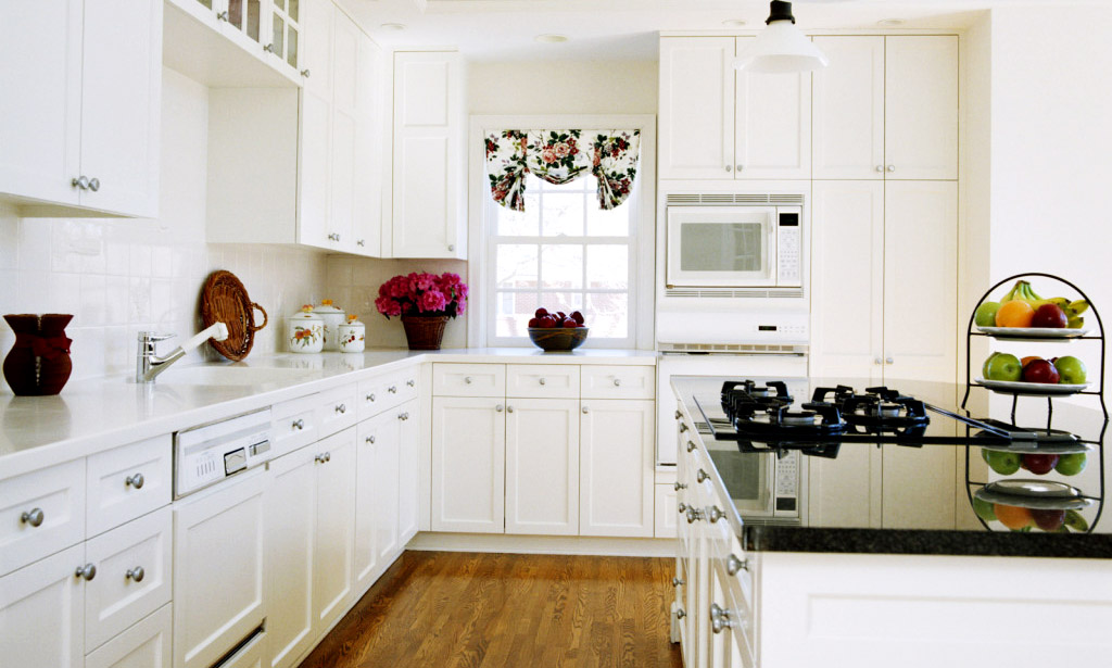 10 X10 White Shaker Kitchen Cabinet Kitchen Cabinets South El Monte Kitchen Cabinets Los Angeles Cabinets San Diego Wholesale Cabinets Online Kitchens Pal