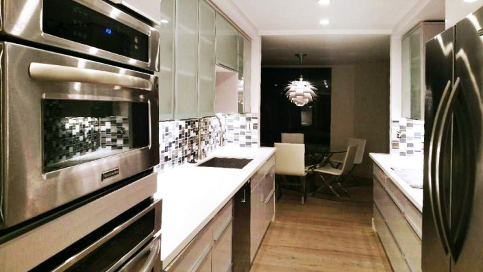 Finish your kitchen off with modern glass door kitchen cabinets