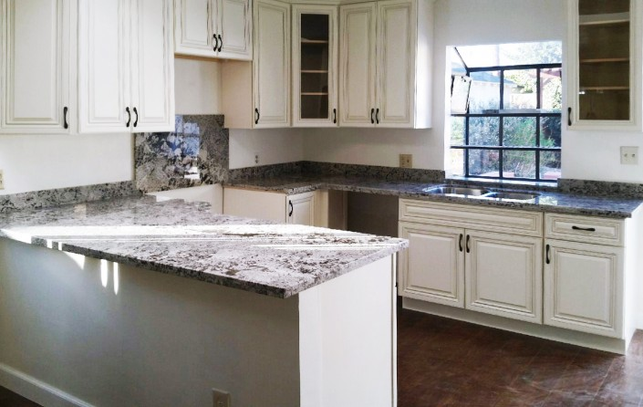Gorgeous White Shaker Cabinets for Your Los Angeles Cabinet